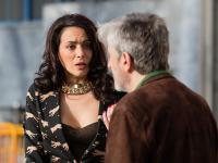 Amélia descobre que Pedro é o responsável pela falsa denúncia